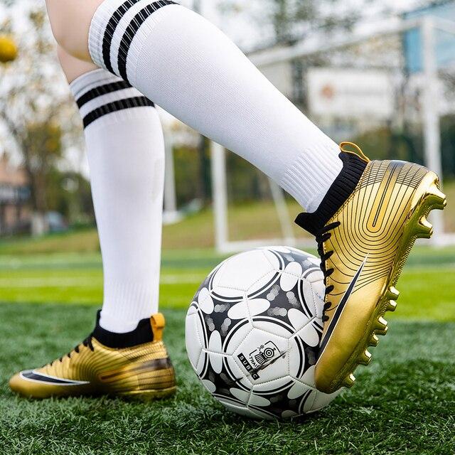 Футбольные бутсы с шипами 4