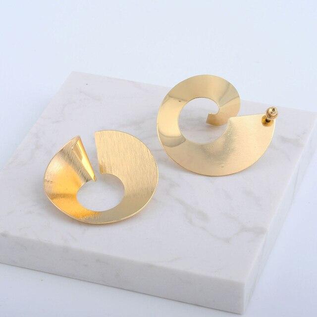2019 New Fashion Simple Geometric Irregular Stud Earrings Spiral Female Brincos Punk European Ear Stud Earring For Women Party
