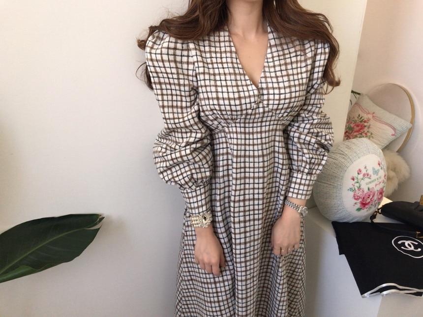 Hf644e5ba572842adaef9f7ae1107d47d6 - Autumn V-Neck Puff Sleeves Slim Plaid Midi Dress