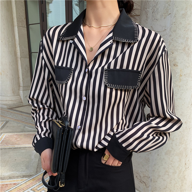 Tow Pockets Vertical Striped Shirt Women Vintage Long Sleeve Blouse Female Casual Turn-down Collar Tops Ladies Tunic Girl Spring