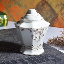 European relief gold coated ceramic sugar pot household dining seasoning Royal Coffee Sugar po