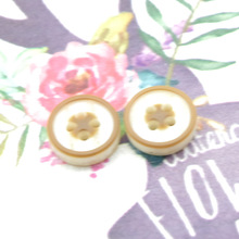 Brown 4 Holes Buttons 100pcs/lot Wholesaleable Round  Resin Light Clothing Irregularity Commonly used for suit