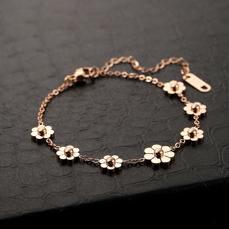 JIOROMY 2020 Summer Leg Bracelets For Women Foot Jewelry Floral Feet Chain Gifts Small Daisies Titanium Steel Flowers Anklet