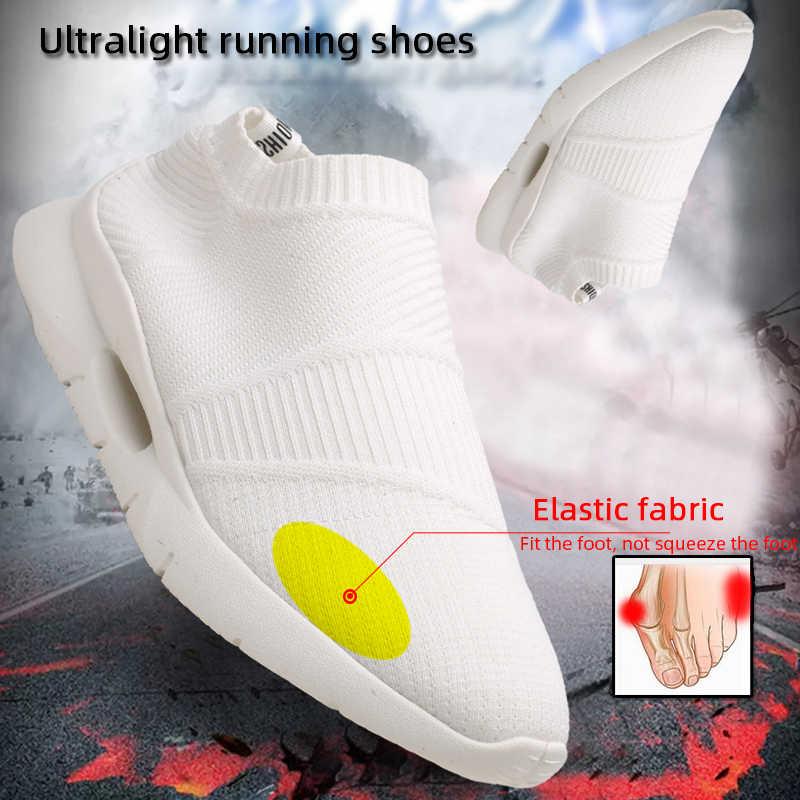 Ultralight koşu ayakkabıları erkekler koşu ayakkabıları örgü nefes gündelik erkek ayakkabısı Loafer üzerinde kayma ayakkabı erkek boyutu 46 DropShipping