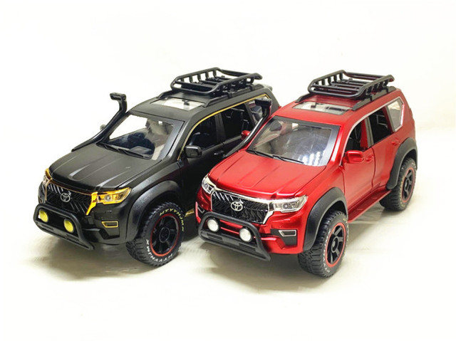 1:24 Toyota Prado Overbearing Modified Version with Metal Car Model Toys as Gifts and Ornaments 2