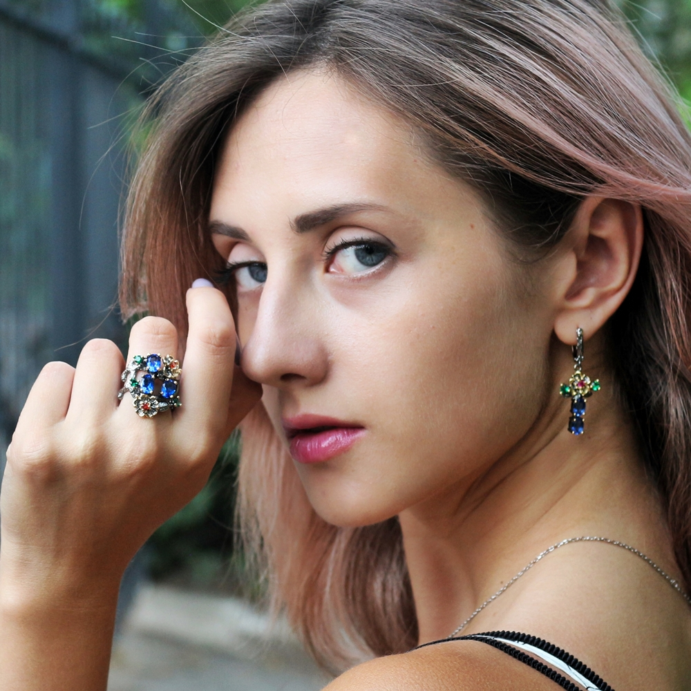 Image 2 - DreamCarnival 1989 Gorgeous Women Ring Infinity Color Stone Vintage Jewelry Chic Fashion Anniversary Wife Gift Must Have WA11672Rings   -