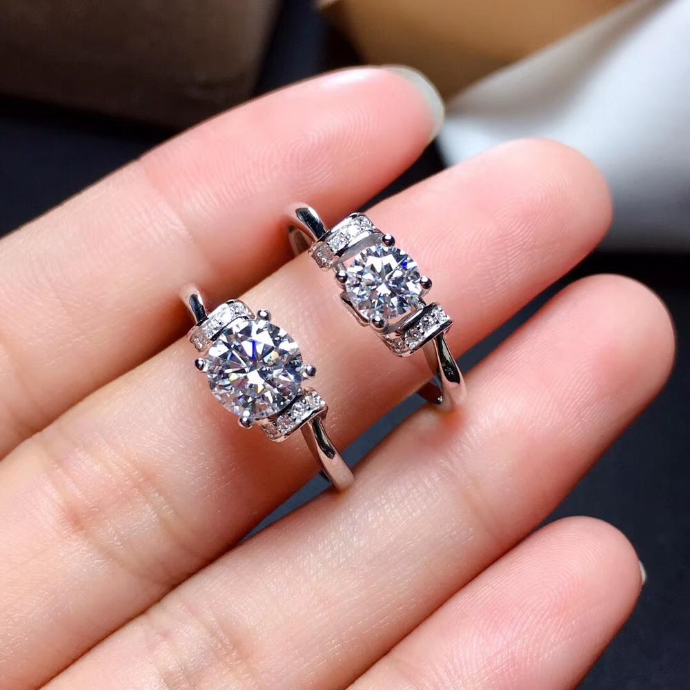 Moissanite Fire Colour Super Beautiful,  Latest Design 925 Sterling Silver Simple Style,