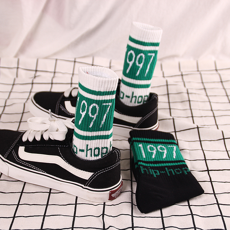 Hip Hop Streetwear Fashion Trendy Socks 1997 White Harajuku Long Crew Letter Print Socks For Women Men Skateboard Sox Unisex
