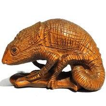 Y1078 2 Nice Hand Carved Boxwood Netsuke Pendant Bead Lizard
