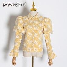 TWOTWINSTYLE 자수 히트 색상 여성용 블라우스 옷 깃 칼라 퍼프 긴 소매 슬림 셔츠 여성 2020 패션 의류 조수