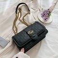 Новинка 2021, квадратная дамская сумочка в европейском ретро-стиле, качественная матовая женская сумка из искусственной кожи, сумка-тоут на ц...