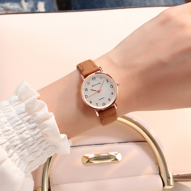 Women Watches Simple Vintage Small Dial Watch Sweet Leather Strap Outdoor Sports Wrist Clock Gift