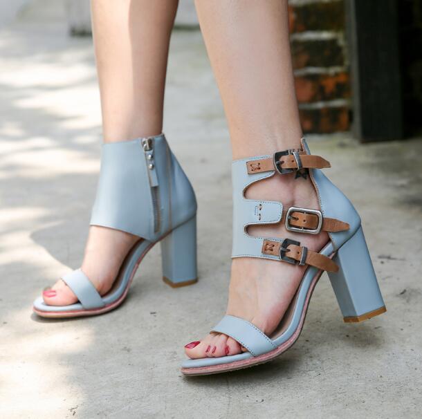 Bleu jaune 100% boucles à glissière en cuir véritable 80 mm talons rugueux une ligne sandales à talons hauts bout ouvert chaussures en cuir de vache d'été
