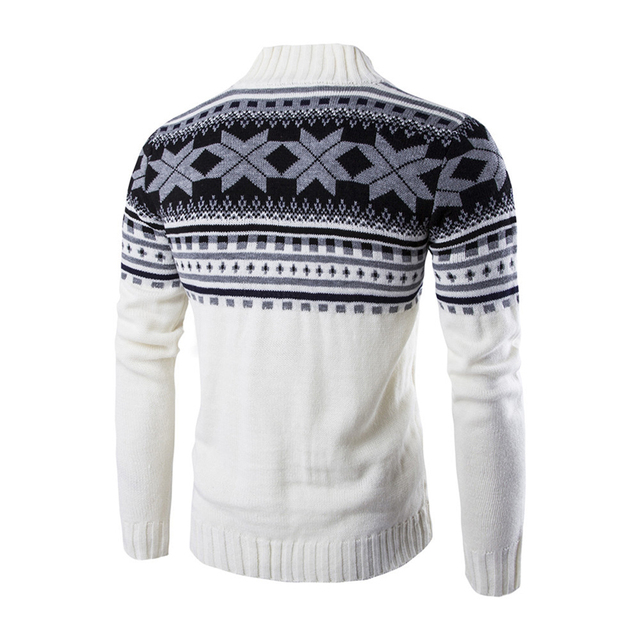 Красивый мужской свитер на пуговицах в деловом стиле 2