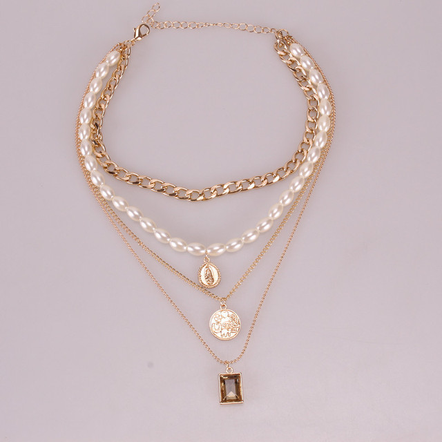 Geometric Layered Pearl Necklace  3