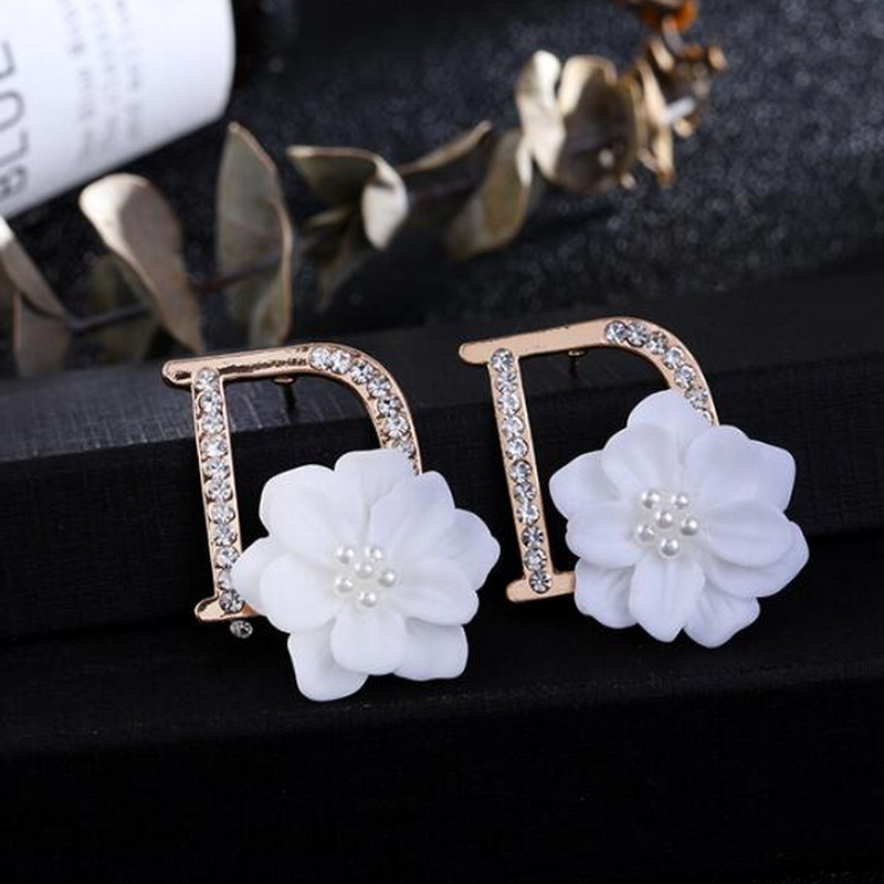 MinneWorld B Class Quality Letter D Earring For Women Fashion Designer Custom Flower Jewelry With Shell And Pearl #FK002