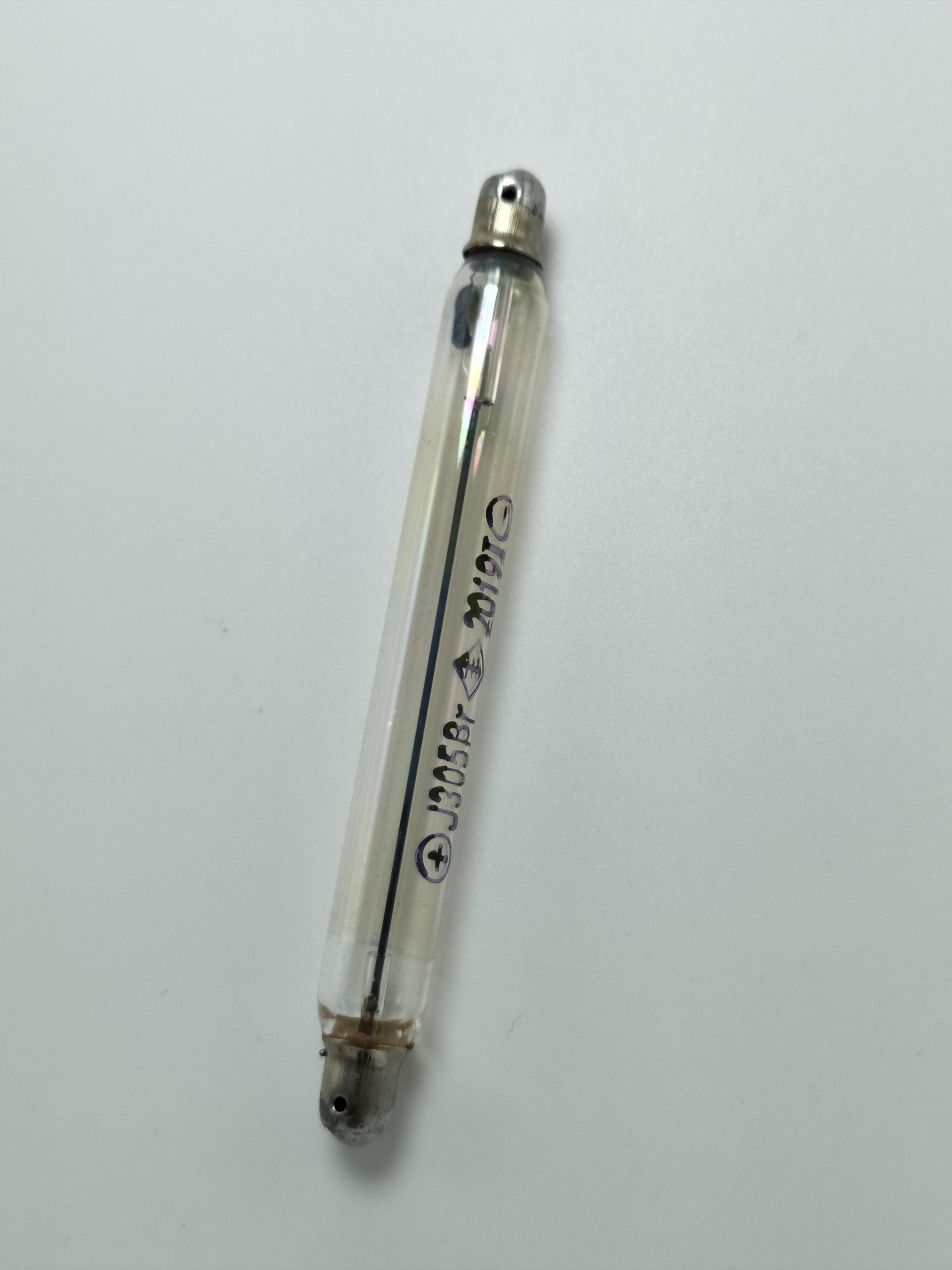 1pc J305 Geiger Tube J305 Tube  M4011 Tube For Geiger Counter Kit J305 Geiger Kit  J306 Tube Nuclear Radiation Detector GM Tube