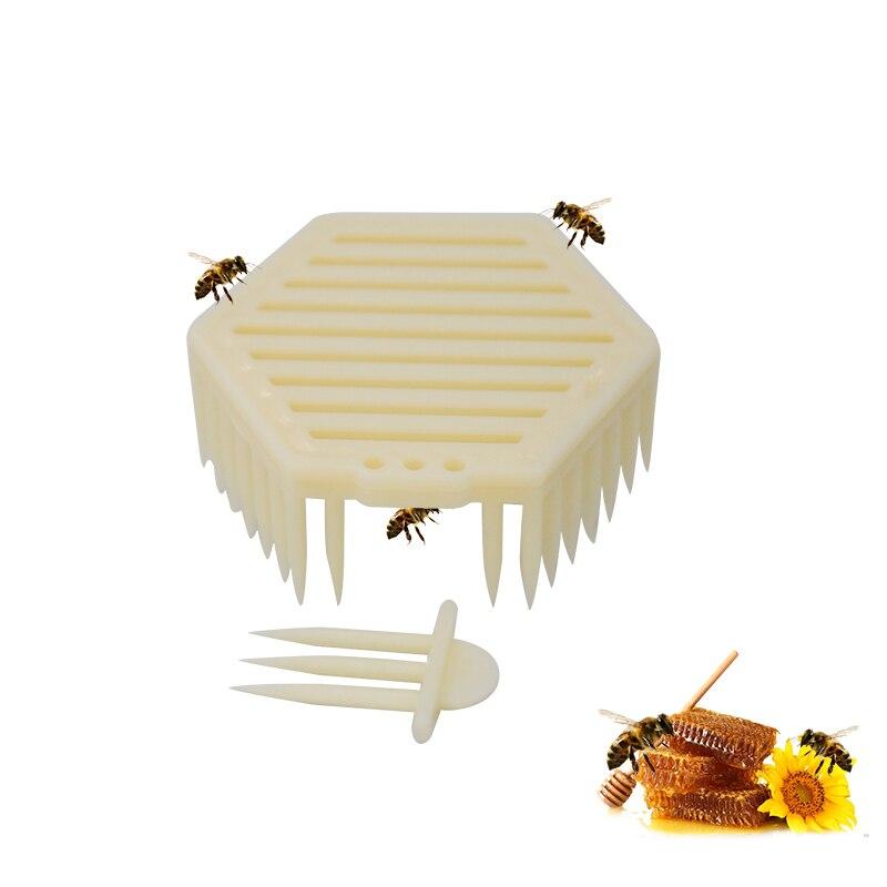2pcs Bee Queen Marking Catcher Plastic Marker Beekeeper Tool Garden Beekeeper Queen Bee Catcher Beekeeping Tools
