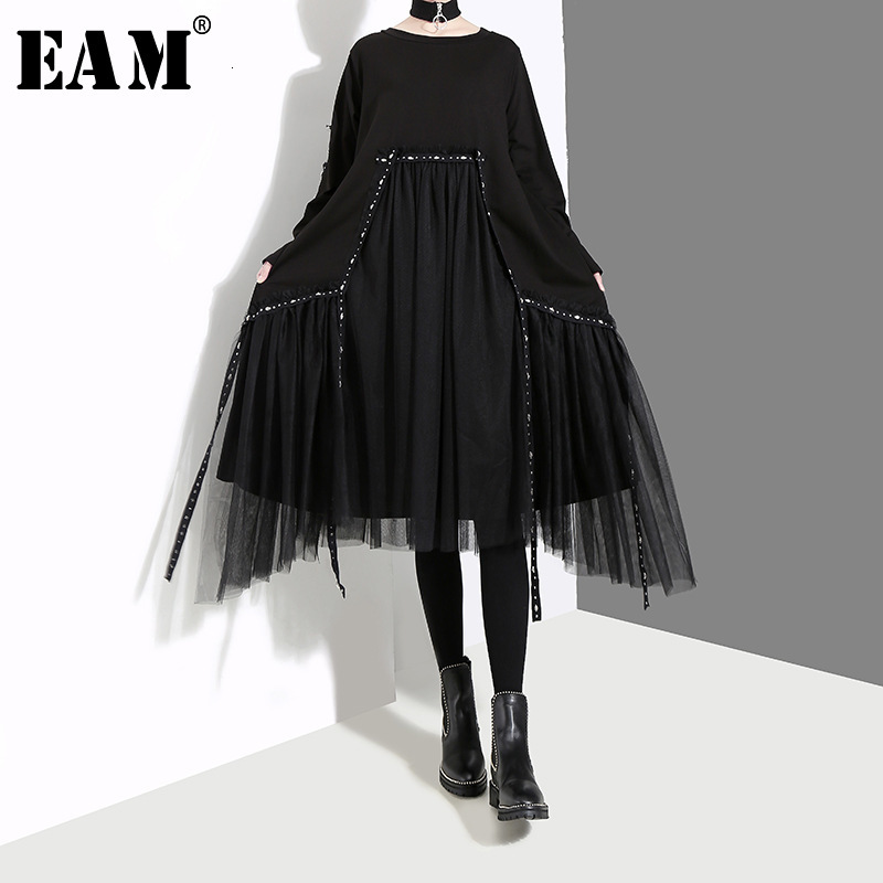 [EAM] Women Black Mesh Asymmetrical Temperament Dress New Round Neck Long Sleeve Loose Fit Fashion Tide Spring Autumn 2019 1D757