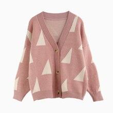 v รูปแบบเรขาคณิตสามเหลี่ยมสีชมพูหวาน คอเสื้อสเวตเตอร์ถัก