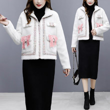 2019 winter new ladies stitching Hong Kong flavor small fragrance wind short coat loose wild lamb plush women(China)