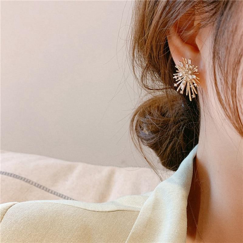 Женские серьги гвоздики в виде фейерверков корейские с цирконом