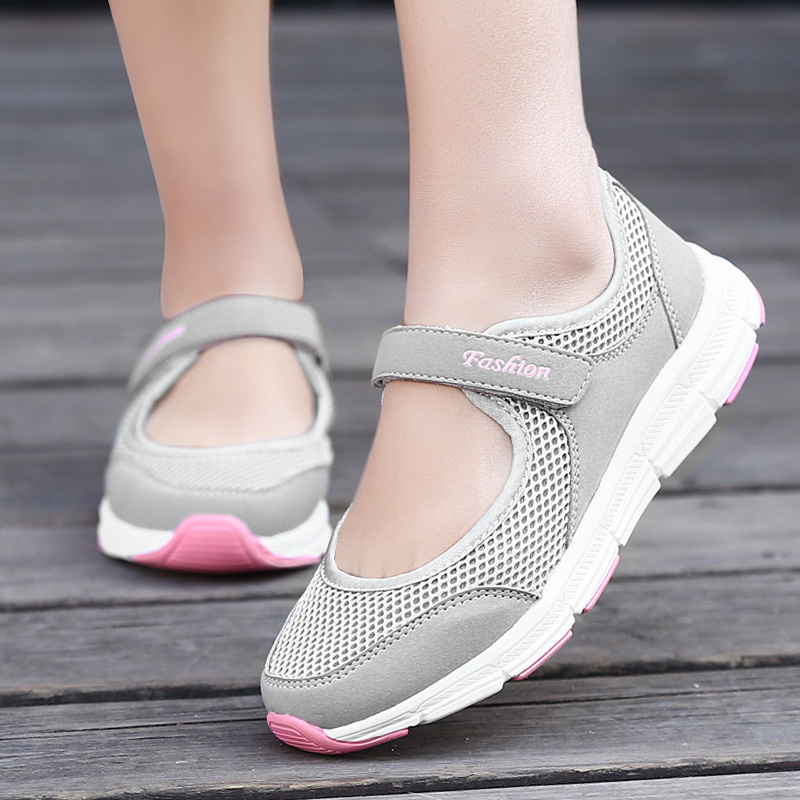 Breathable Women Walking Shoes Lightweight Soft Outdoor Flats Non-slip Slip on Shoes Fashion Casual Sneakers Sapatos De Mujer
