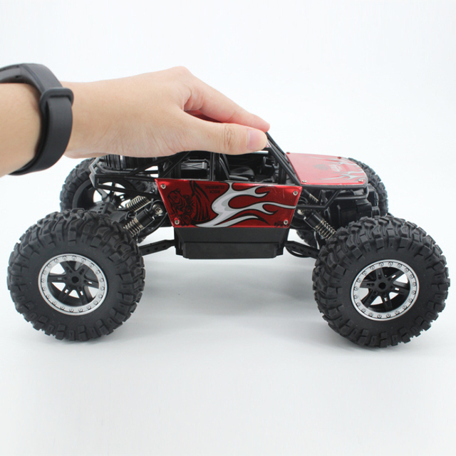 2.4Ghz Four-wheel drive rc car toy off-road vehicle mountain big foot remote control car  Alloy climbing car children's toy 2