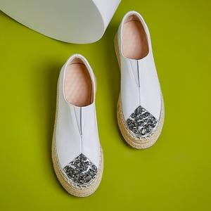 Image 5 - 여성 정품 가죽 슬립 온 플랫폼 플랫 로퍼 레저 부드러운 편안한 모카신 라인 석 대마 두꺼운 단독 캐주얼 신발