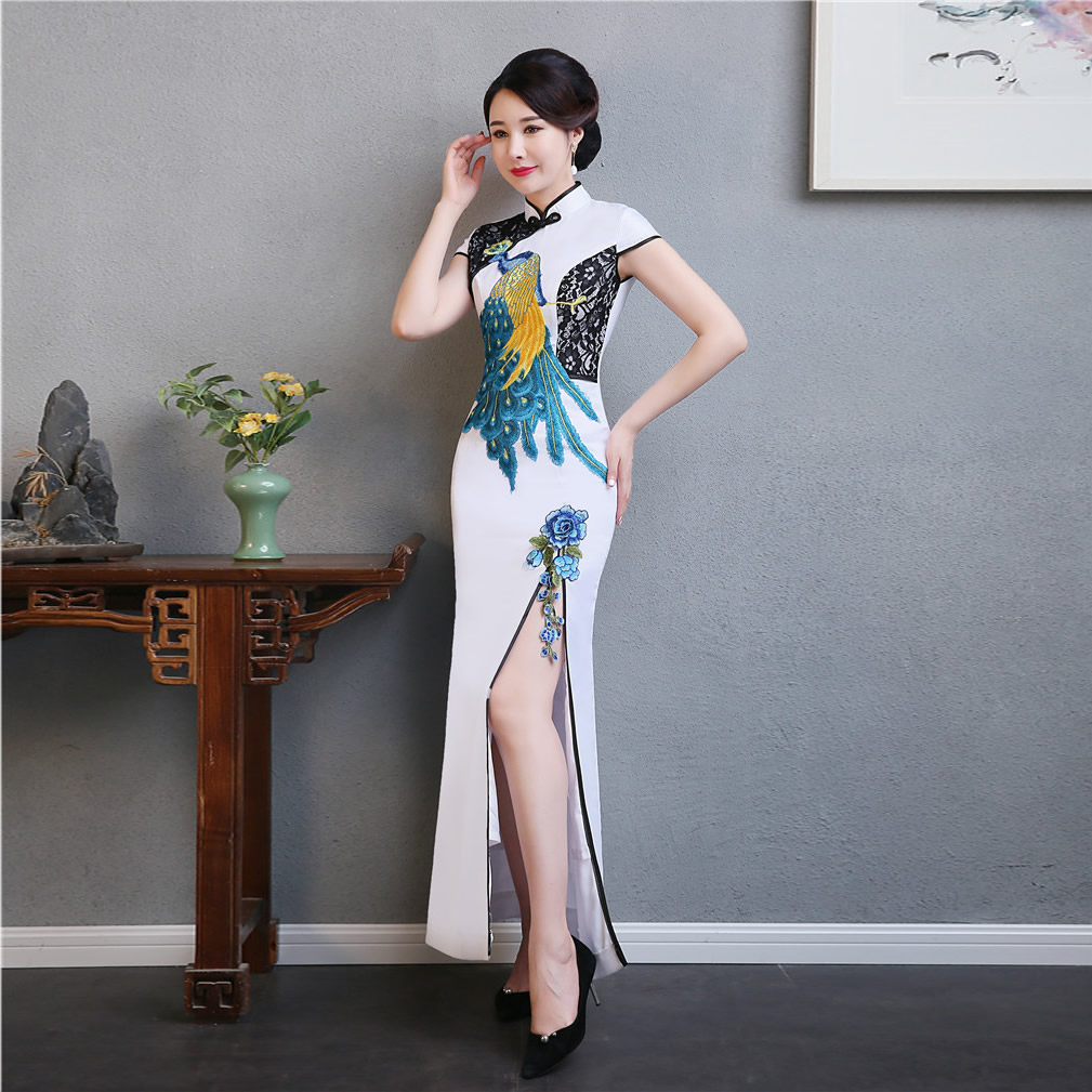 Fashion Elegant Cheongsam Embroidery White Qipao Long Chinese Traditional Dress Oriental Qi Pao Plus Size Women Clothing
