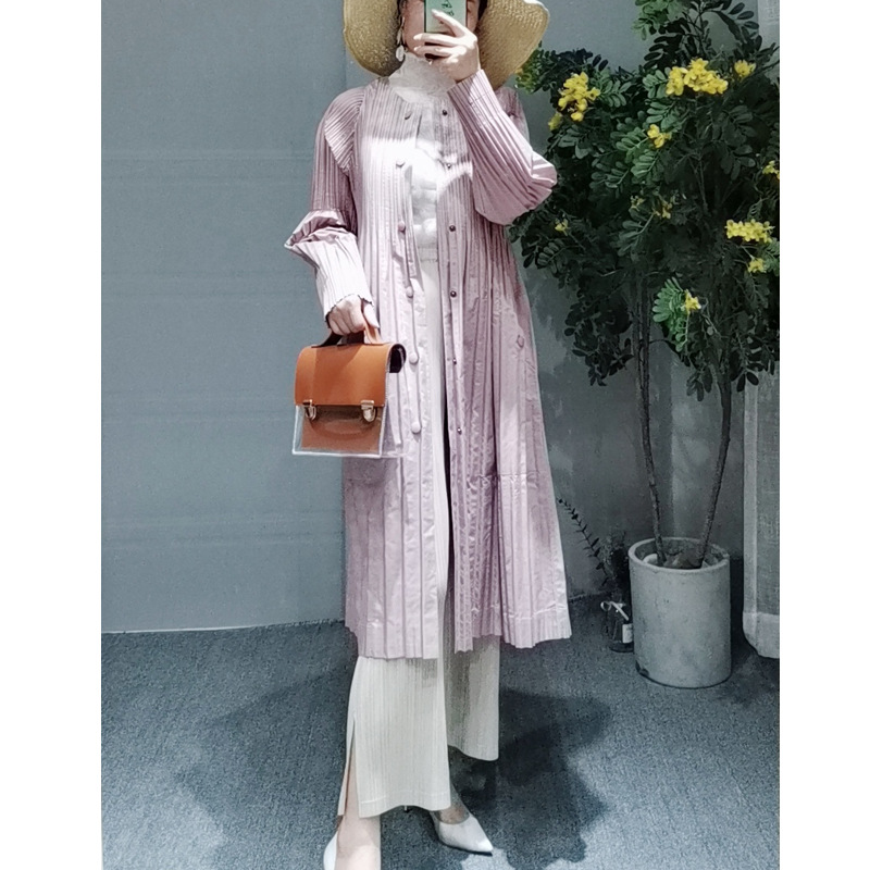 New Long-sleeved Single-row Button Mid-long Coat MIYAKE pleats   trench   free shipping