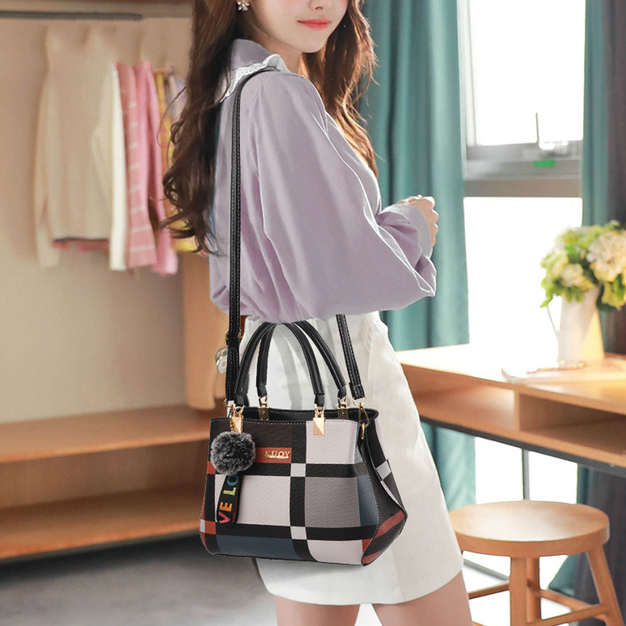 Image 5 - Hot 2020 New Casual Plaid Shoulder Bag Fashion Stitching Wild Messenger Brand Female Totes Crossbody Bags Women Leather HandbagsShoulder Bags   -