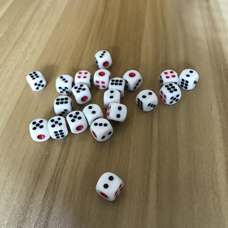New 10Pcs/Lot 10mm Dice Acrylic White Dice Hexahedron Fillet Red And Black Points Clubs KTV Dedicated Entertainment Dice Set