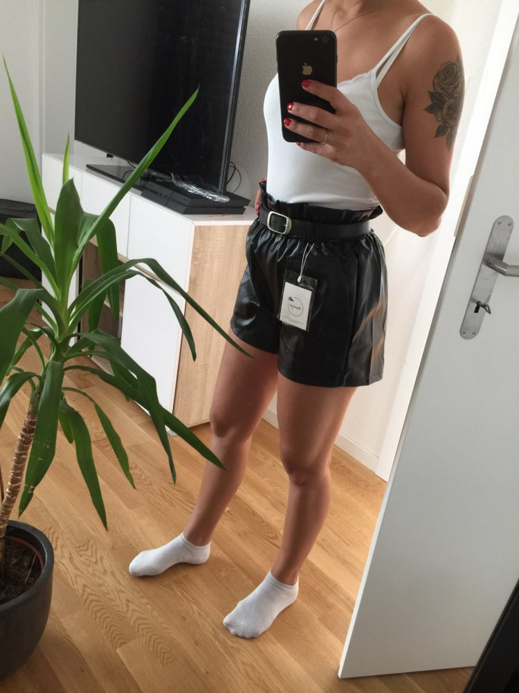 Elegant Leather Shorts Fashion High Waist Shorts Girls A-line  Bottoms Wide-legged Shorts Autumn Winter Women 6312 50 38