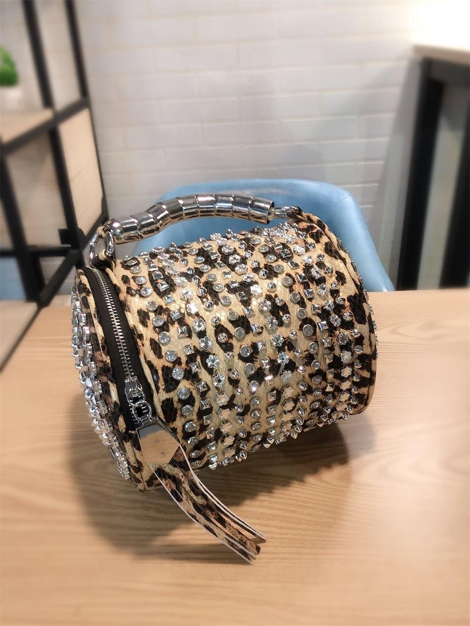 2019 Fashion Rhinestone Women Bucket Bag Vintage Tassel Messenger Bag High Quality Retro Shoulder Bag Simple Crossbody Bag Tote