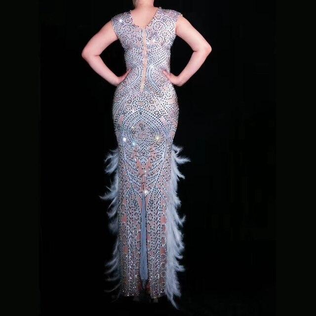 Nouveaux cristaux élégants plume bal strass longue robe anniversaire pour les femmes fête dames fente sans manches chanteur scène robe de club