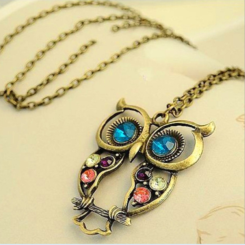 Free Shipping Alloy Korean Version Jewelry Retro Color Drill Hollow Carved Lovely Owl Necklace