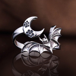 Huitan Personality Bat Finger Rings for Women Punk Girl Accessories Antique Silver Color Vintage Party Female Rings Dropshipping