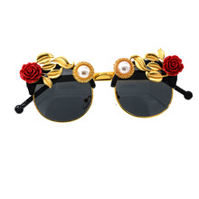 Rose Gold Sunglasses Vintage Baroque Fashion Woman 2019 Flower Pearl Luxury Designer Cute Sun Glasses