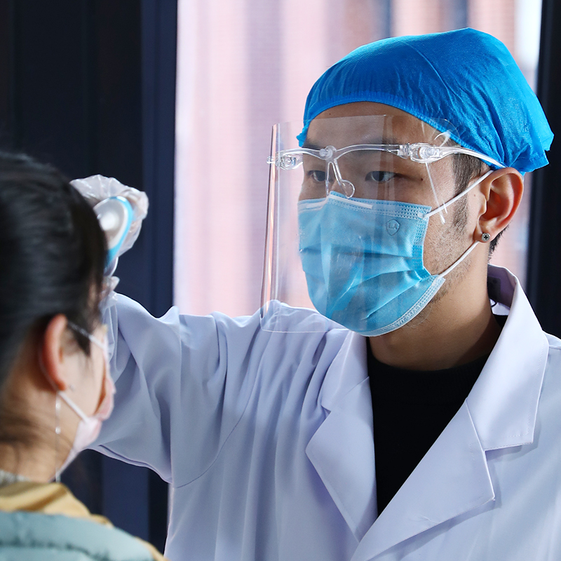 FACE SHIELD SPLASH PROOF เฟสชิลด์ หน้ากากโปร่งใส อุปกรณ์ป้องกันสารคัดหลั่ง ผู้ป่วยติดเชื้อ แพทย์ เวชภัณฑ์ ต่อสู้โควิด-19