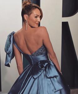 Image 5 - Oscars Pantalones Candice Swanepoel, alfombra roja, alto, bajo, un hombro, vestido Formal de noche, 2020