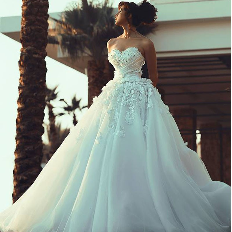 Elegant Sweetheart Appliqued Beaded Sleeveless Puffy Princess Wedding Dresses Vestidos De Noiva Custom Made Charming Bridal Gown
