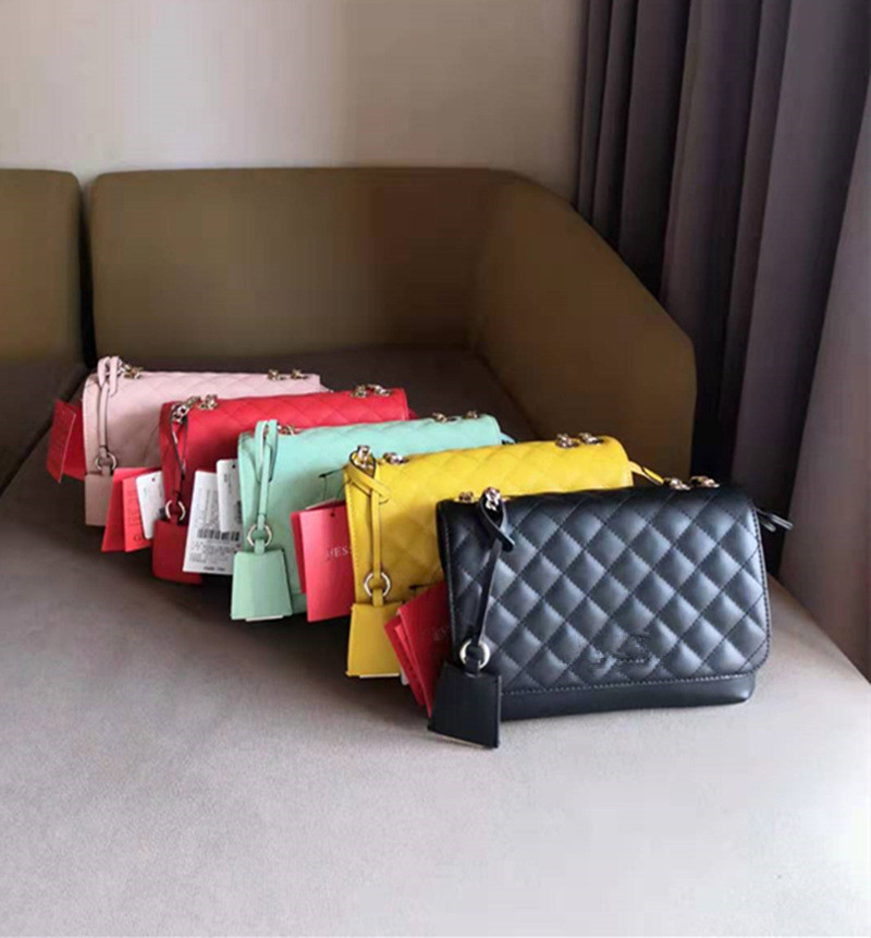 New Ladies Diamond-shaped Leather Bag Chain Messenger Bag Flip Small Square Bag