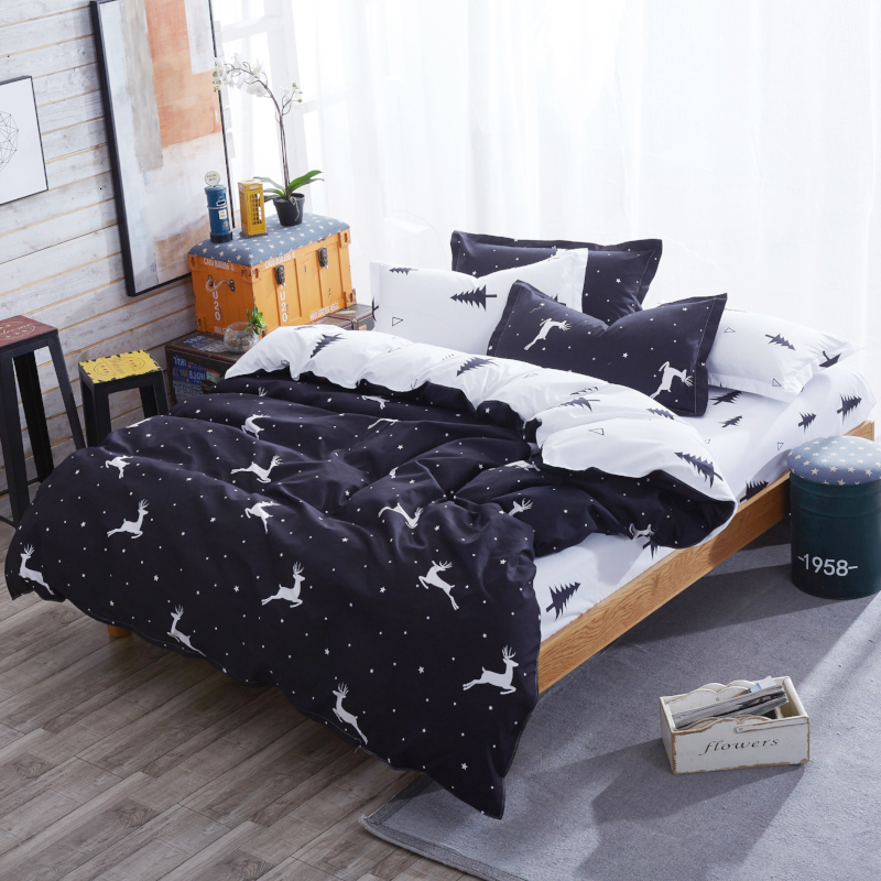 Double sided Black And White Bed Sheets | Printed Black And White Sheets Set