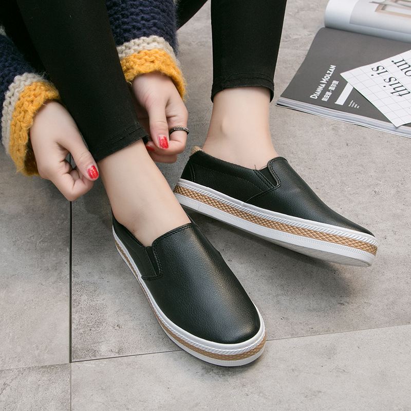 2019 Spring Black And White Leather Slip-on Loafers Women's Foot Covering Students Korean-style Versatile Flat Casual Board Shoe