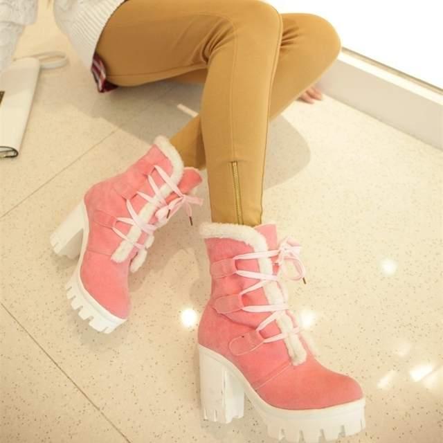 ae01.alicdn.com/kf/Hf76ccaf3713d47868b77f3860a11260fN/Mulheres-outono-inverno-quente-botas-moda-rendas-plataforma-tornozelo-camur-a-botas-damenschuhe-chaussures-pour-femmes.jpg_640x640q70.jpg