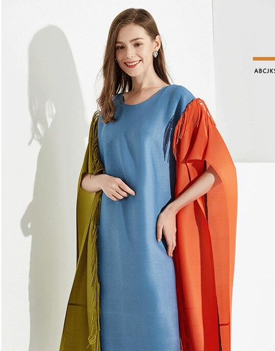 Miyake col rond automne et hiver nouvelle robe de couleur contrastée gland livraison gratuite