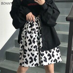 Женские шорты с принтом коровы в стиле Харадзюку, летние шикарные уличные шорты для отдыха, универсальные винтажные свободные шорты с эласт...