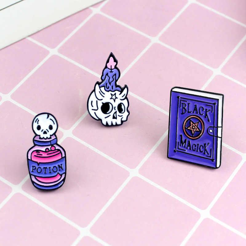 Kartun Lencana Ungu Hitam Sihir Bookskeleton Lilin Ramuan Ajaib Bros untuk Wanita Kreatif Enamel Pakaian Tas Perhiasan