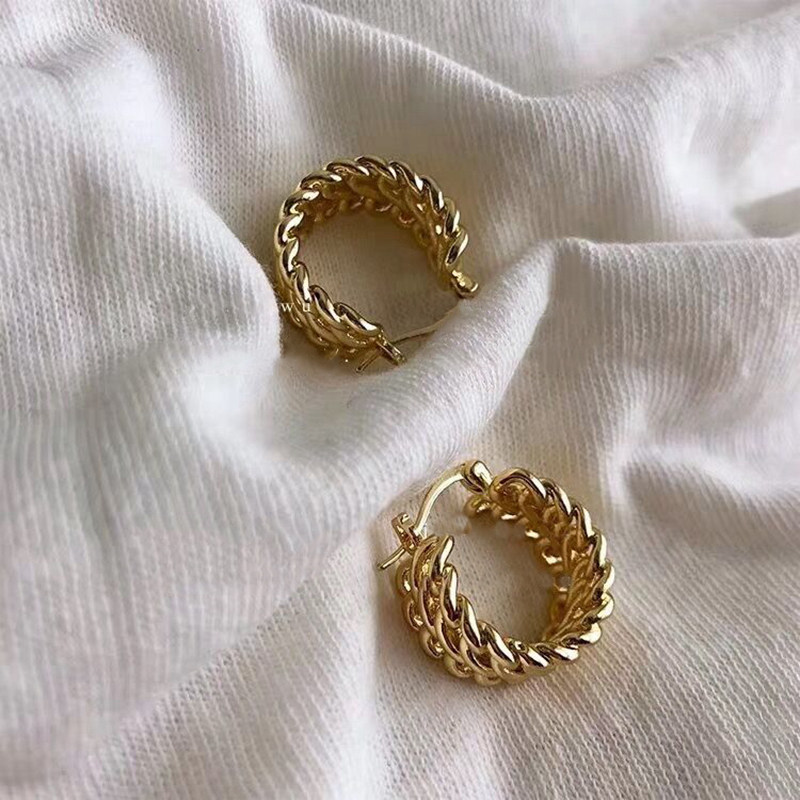 Korean Vintage Fashion Design Metal Gold Twist Hoop Earrings For Women Girl Daily Personality Accessories